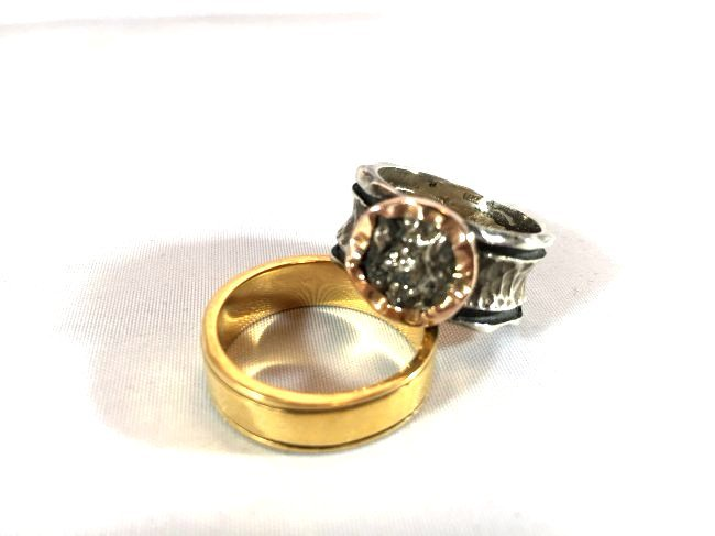 2 Artisan Rings Brutalist Style & Chinese Characters - 3