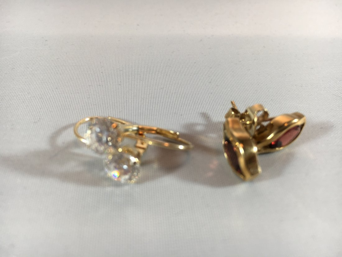 2 pr Garnet Pierced Earrings in 14K Gold
