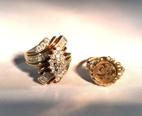 2 Ladies 10K Gold Rings Diamond Pavé - 8