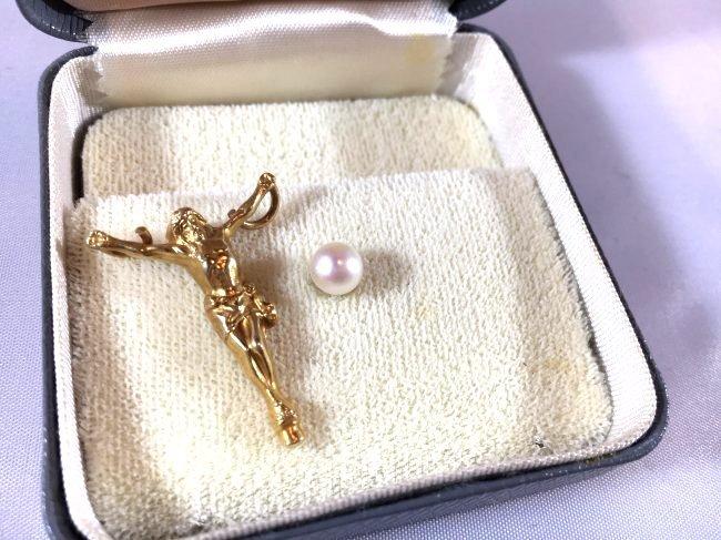 Cultured Pearl & 14K Gold Jesus on Cross pendant charm - 2
