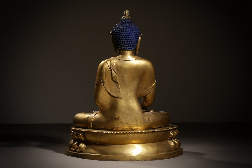 Large Chinese Qing Dynasty Gilt Bronze Seated Buddha - 5