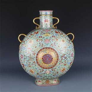 Chinese Colour Enamels Porcelain Vase
