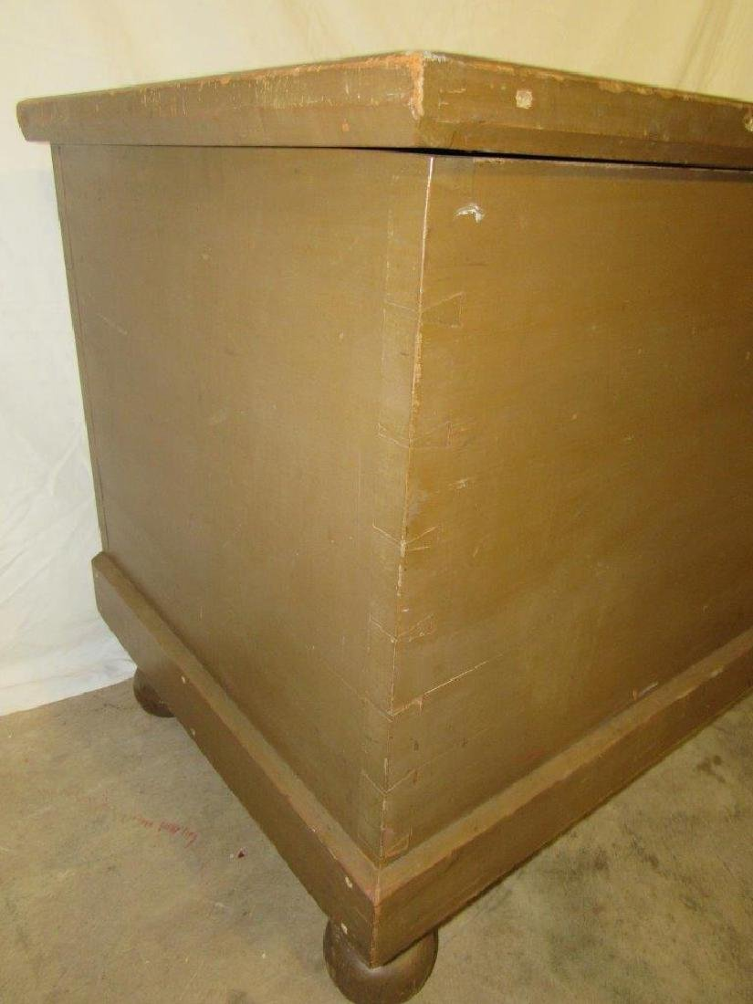 Painted dovetailed footed blanket chest - 2