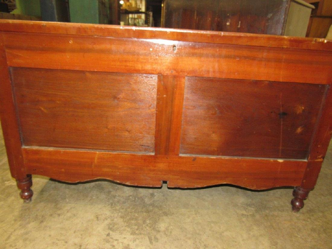 Early footed blanket chest - 3