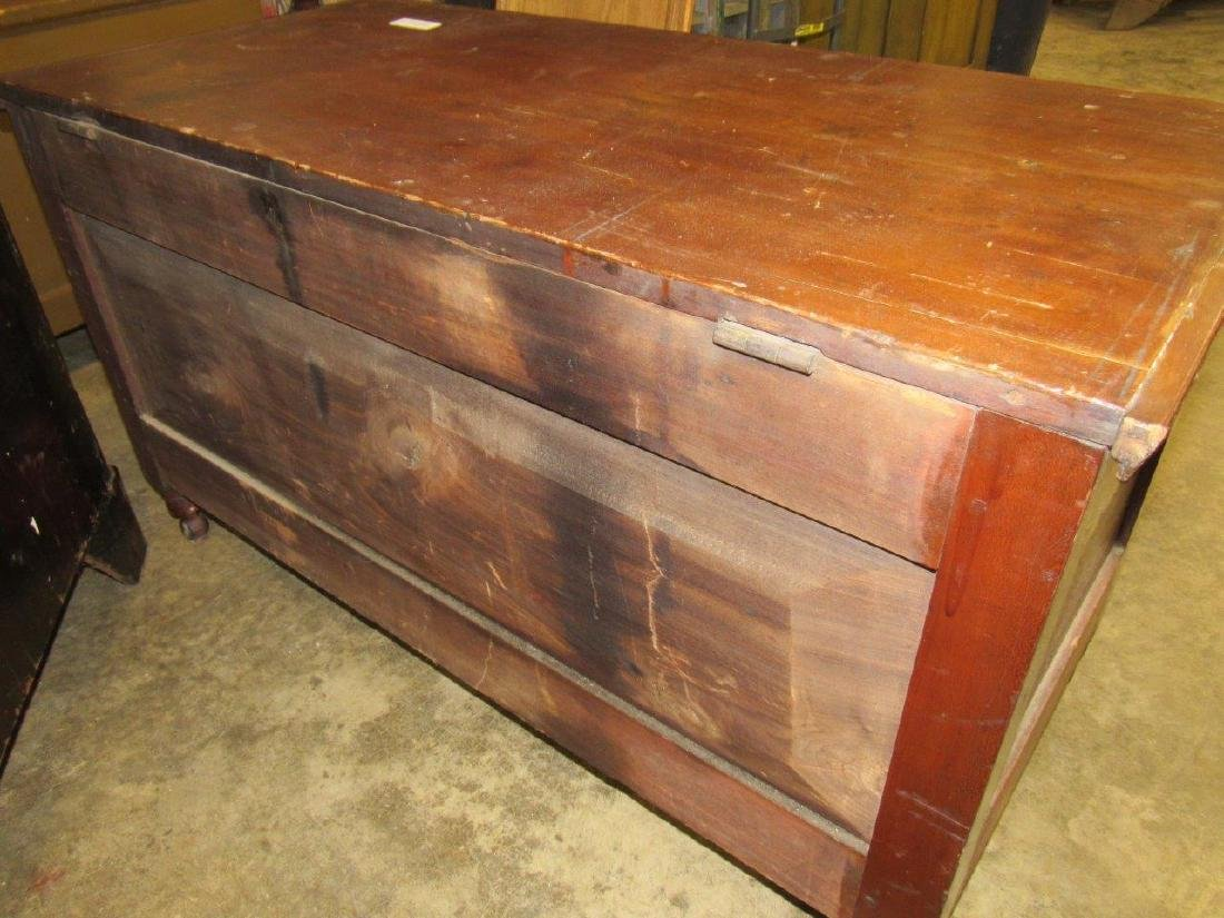Early footed blanket chest - 5