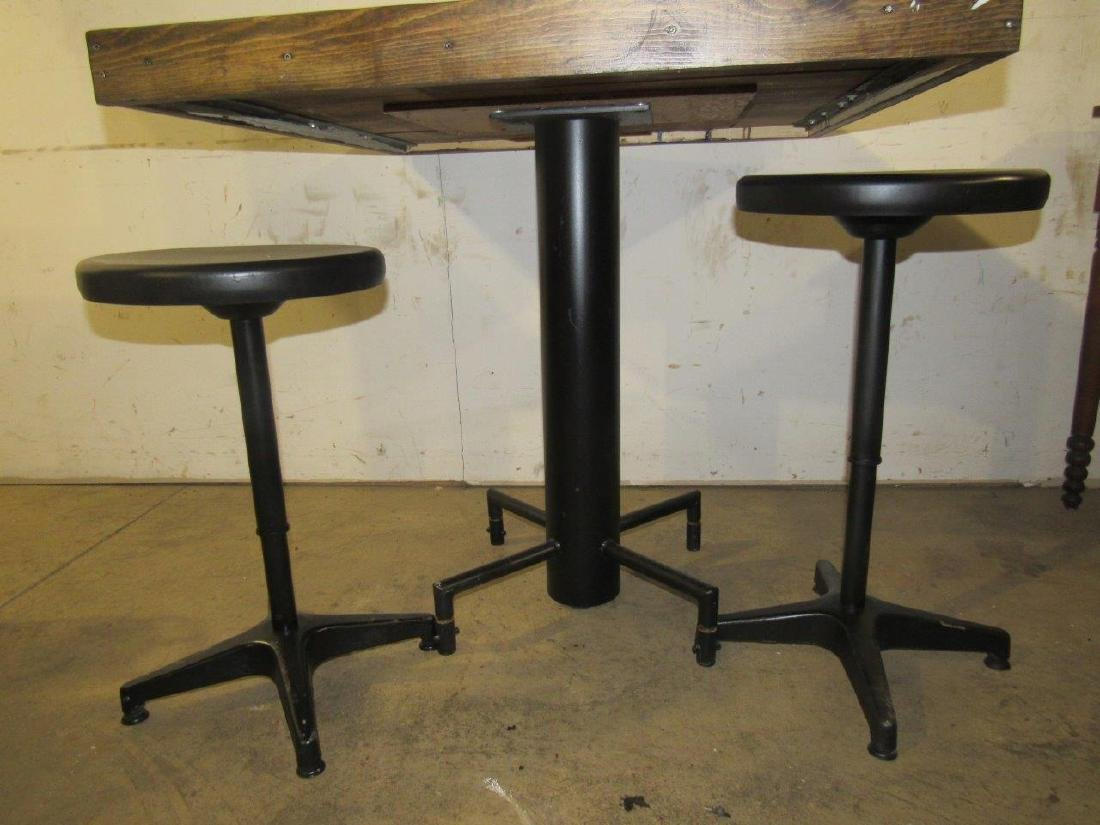 Industrial table & bar stools - 3