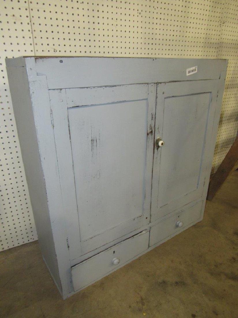 Primitive painted cupboard top