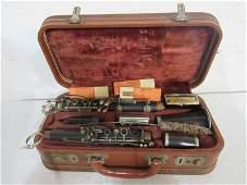 Selmer Signet clarinet in case