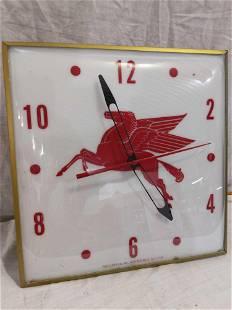 Mobil Pegasus Pam clock