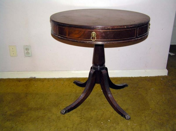 18: Round  Genuine Mahogany Table 1940, Imperial Grand