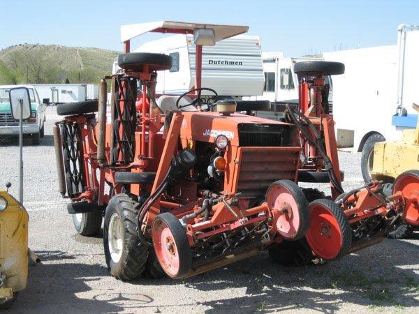 1718: 1987 Jacobson HF15 Gang Mower