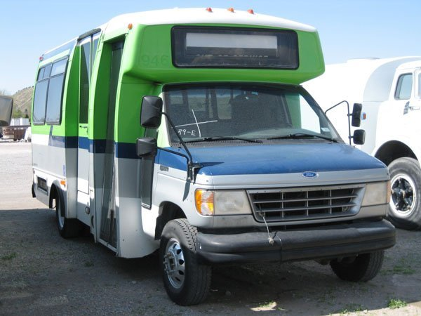 1736: 1995 12 Passenger Bus on Ford E-350 Chassis, 7.3L