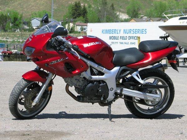 1758: 2001 Suzuki SV650 SK Bullet Bike, Minor Damage