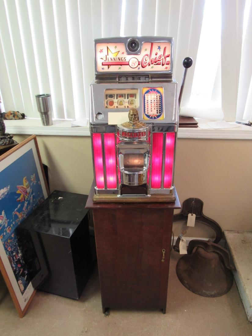 1940's Jennings Chief Nickle Slot Machine with Original