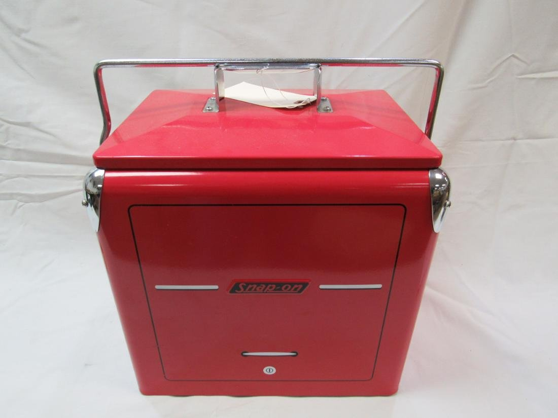 Vintage Style Snap-On Cooler