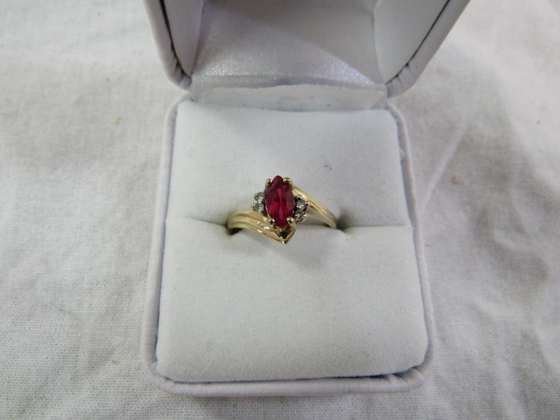 Vintage Womans 10kYellow Gold Garnet and Diamond Ring