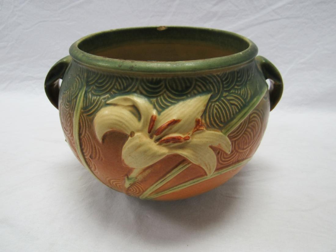 Roseville 6 Inch Zephyr Lily Vase - 2