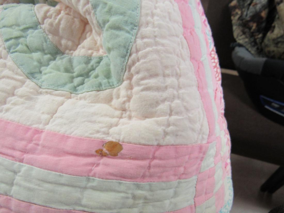 Antique Hand Stitched Quilt, Pink Baskets - 3