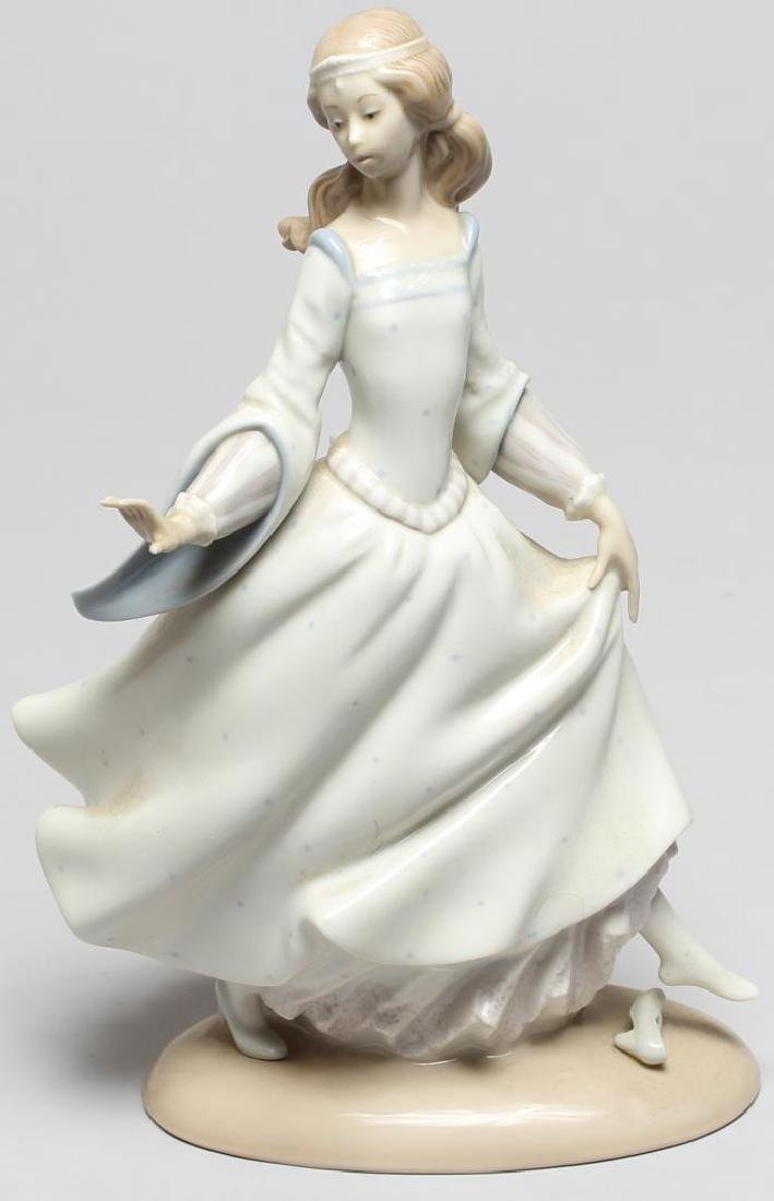 "Lladro ""Cinderella Lost Slipper"" Figurine"