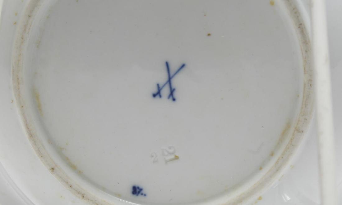 """15 Meissen Porcelain """"Blue Onion"""" Plates & Bowls - 4"""