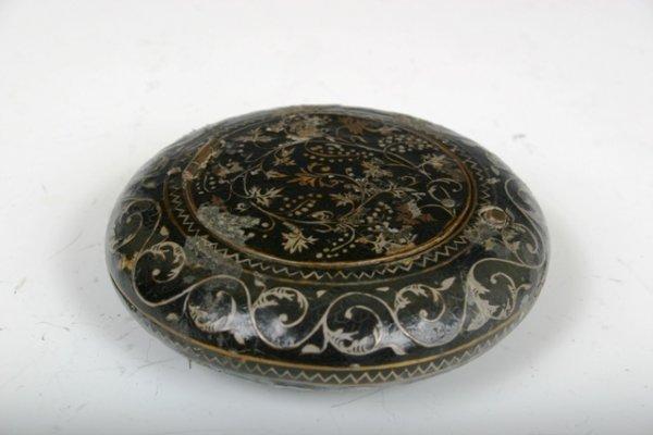 515: Inlaid Lacquered Round box