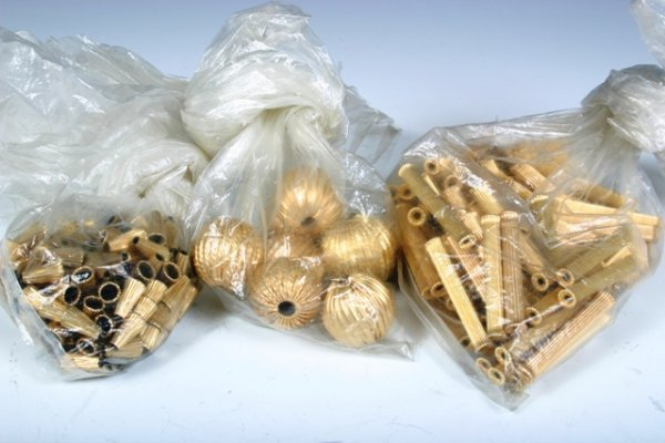 22: Lot of Etched & Fluted 16K Gold Beads