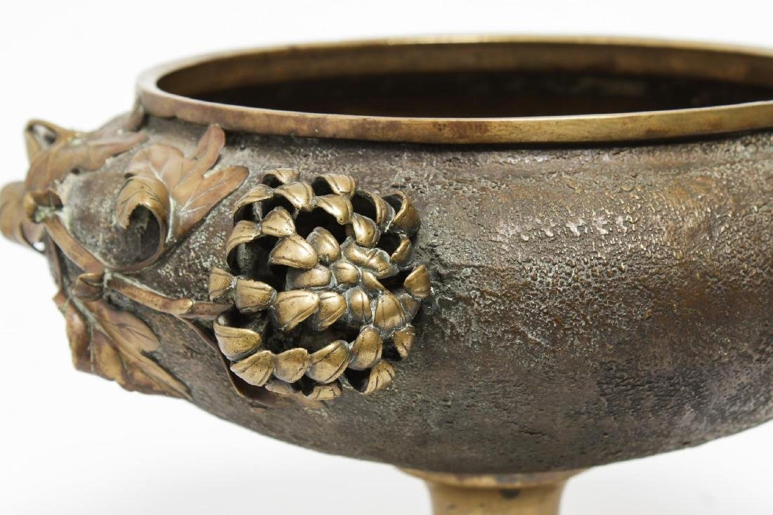 Aesthetic Movement Japonisme Bronze Footed Bowl - 3