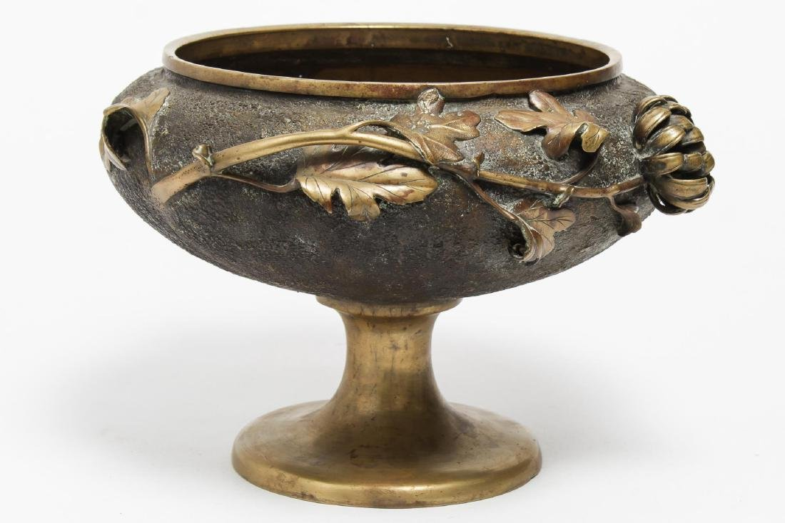 Aesthetic Movement Japonisme Bronze Footed Bowl - 4