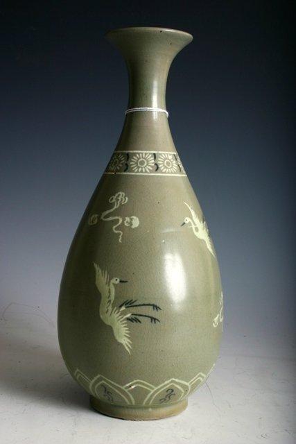 802: Korean Koryeo Sang-Gam Crane & Cloud Motif Bottle