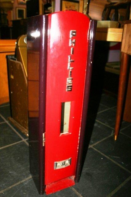 1142: Antique Phillies Blunt Cigar Vending Machine