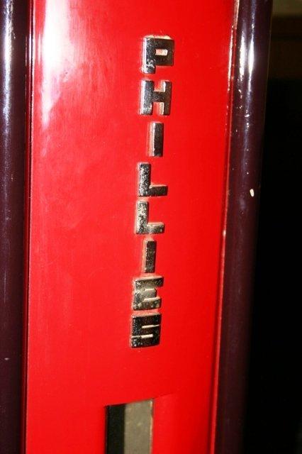 1142: Antique Phillies Blunt Cigar Vending Machine - 2