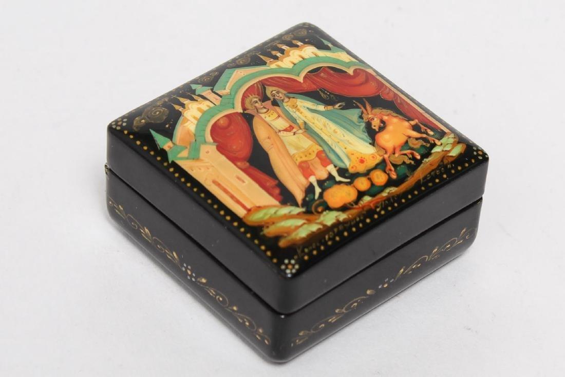 Russian Lacquer Boxes, 3 Vintage Pieces - 9