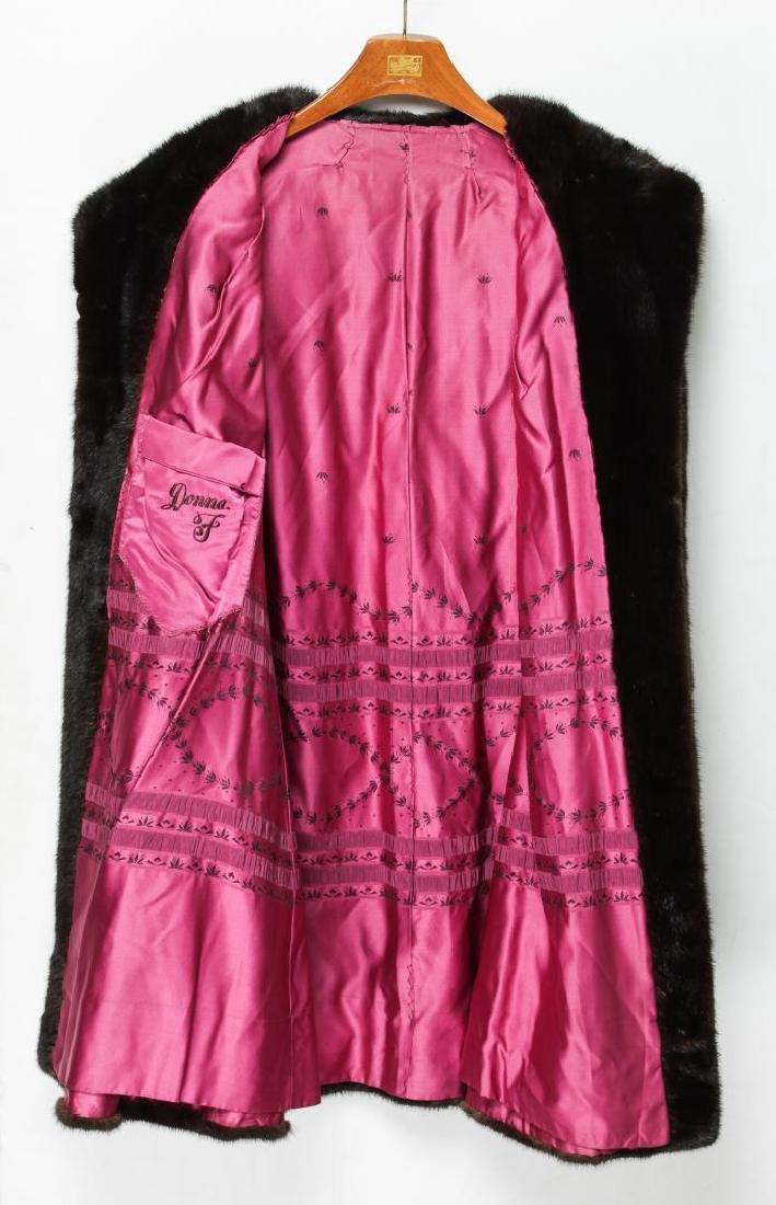 Mink Coat, Vintage Fur, in Natural Ranch - 4