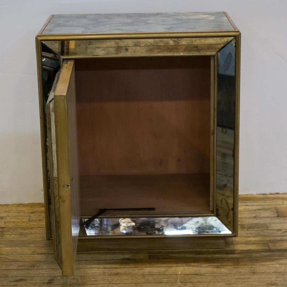 Hollywood Regency Chinoiserie Mirrored Cabinet - 4