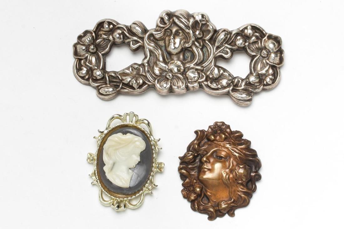 Art Nouveau- & Antique-Manner Brooches, 3