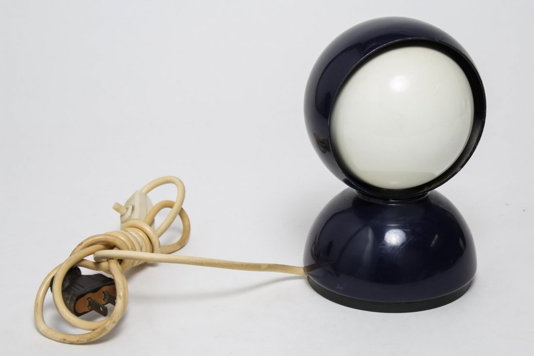"Modernist Studio Artemide ""Eclisse"" Table Lamp - 2"
