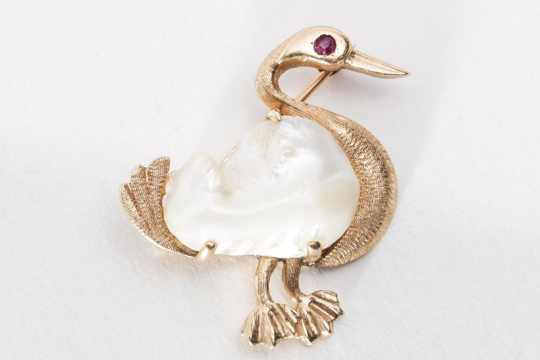 Goose Brooch, Baroque Pearl in 14K Gold with Ruby