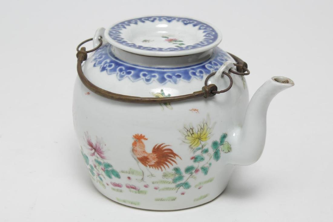 Chinese Qing Porcelain Rooster Tea Pot, Antique