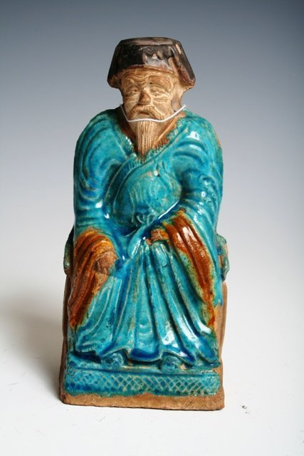 604: 16th C Ming Dynasty Figure of a Official Fahua