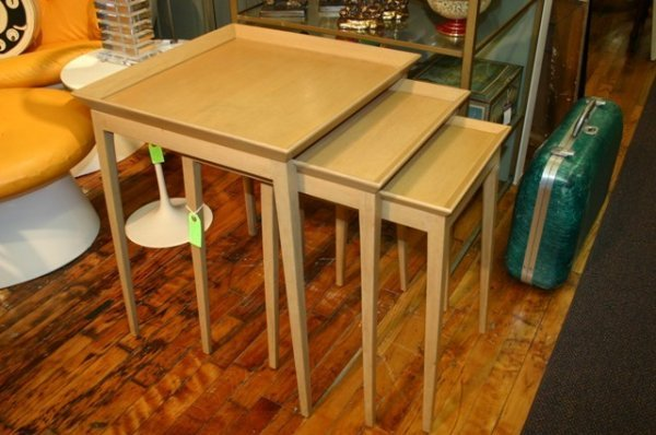 3010: Widdicomb Robsjohn Gibbings Nesting Tables