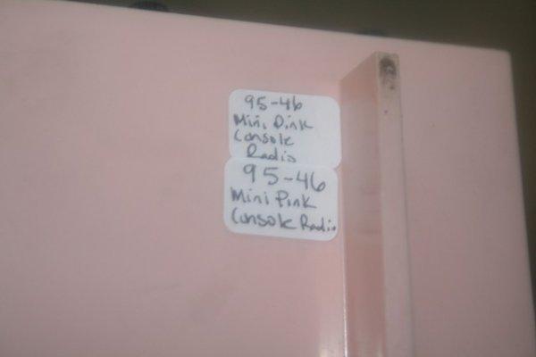 47: Mini Pink Panasonic Transistor Radio Consol - 6