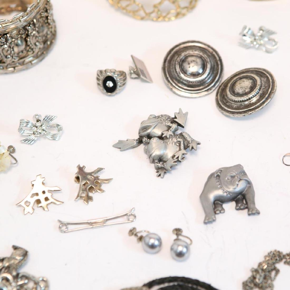 Costume Jewelry, Large Group of Mixed Metal Items - 2