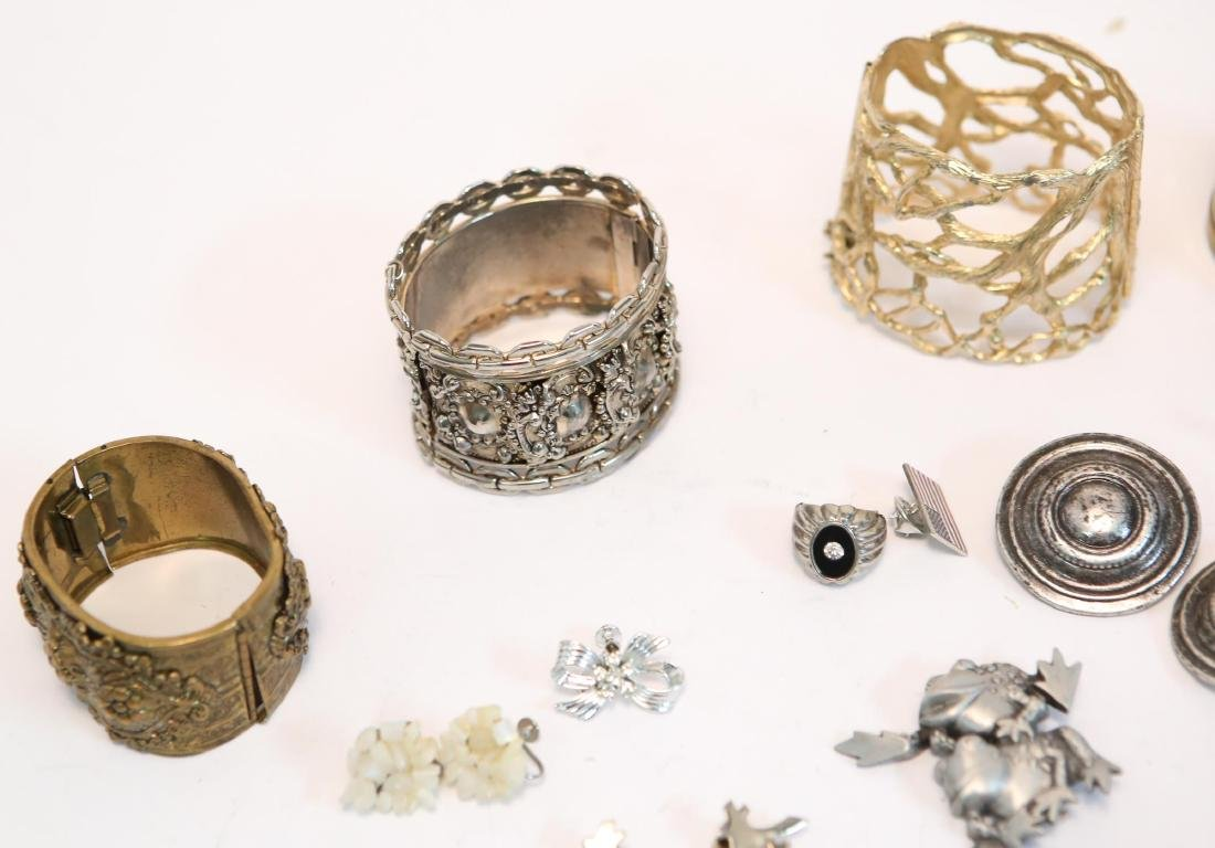 Costume Jewelry, Large Group of Mixed Metal Items - 3