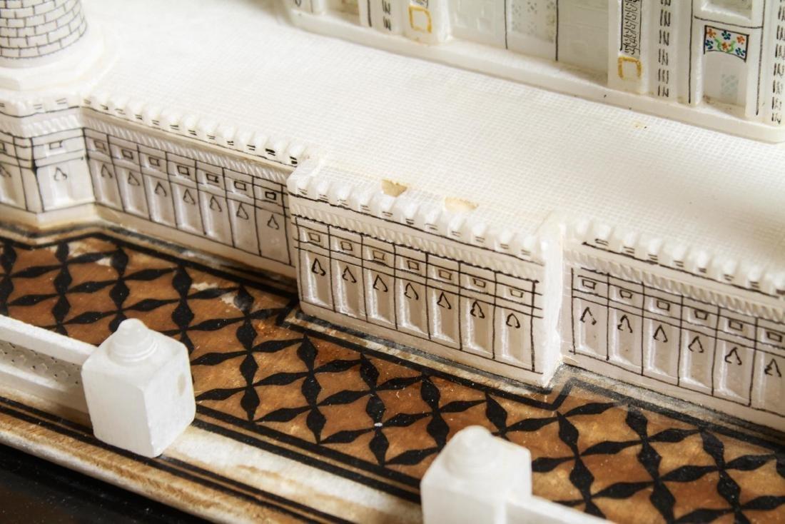 Indian Taj Mahal Hand-Painted Alabaster Model - 3