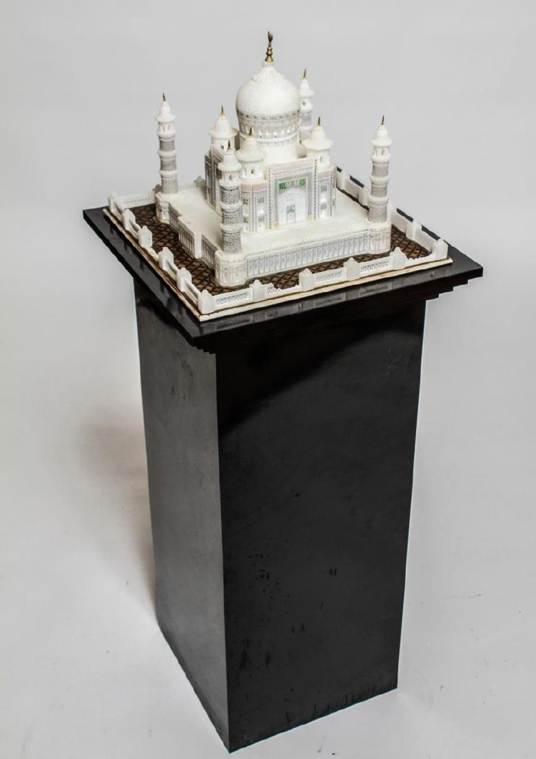 Indian Taj Mahal Hand-Painted Alabaster Model - 4