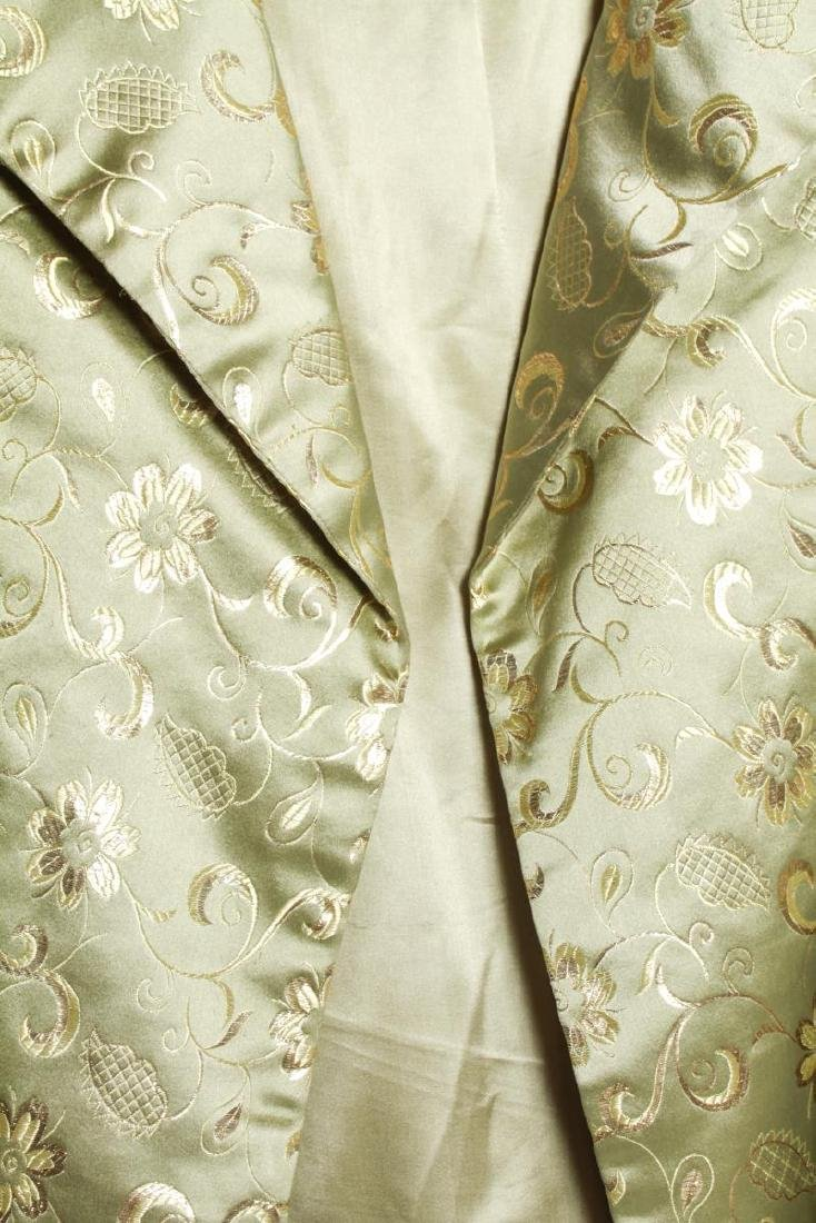 Dynasty Hong Kong Gilt Embroidered Silk Swing Coat - 2