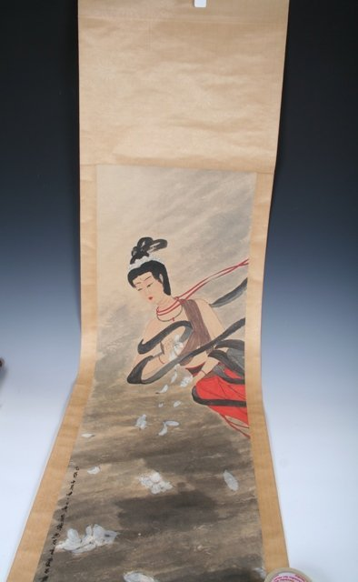 1013: 20th C Chinese Scroll Painting of a Beauty