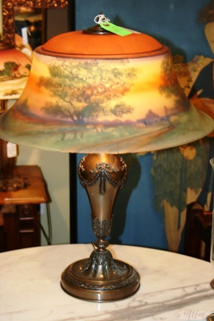 2005: Pairpoint Reverse Painted Lamp Signed F.A. Guba
