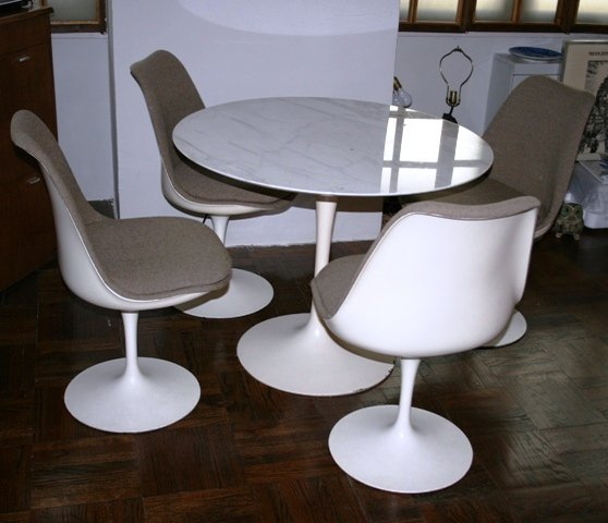 2171: Saarinen for Knoll Tulip Dining Table & Chairs