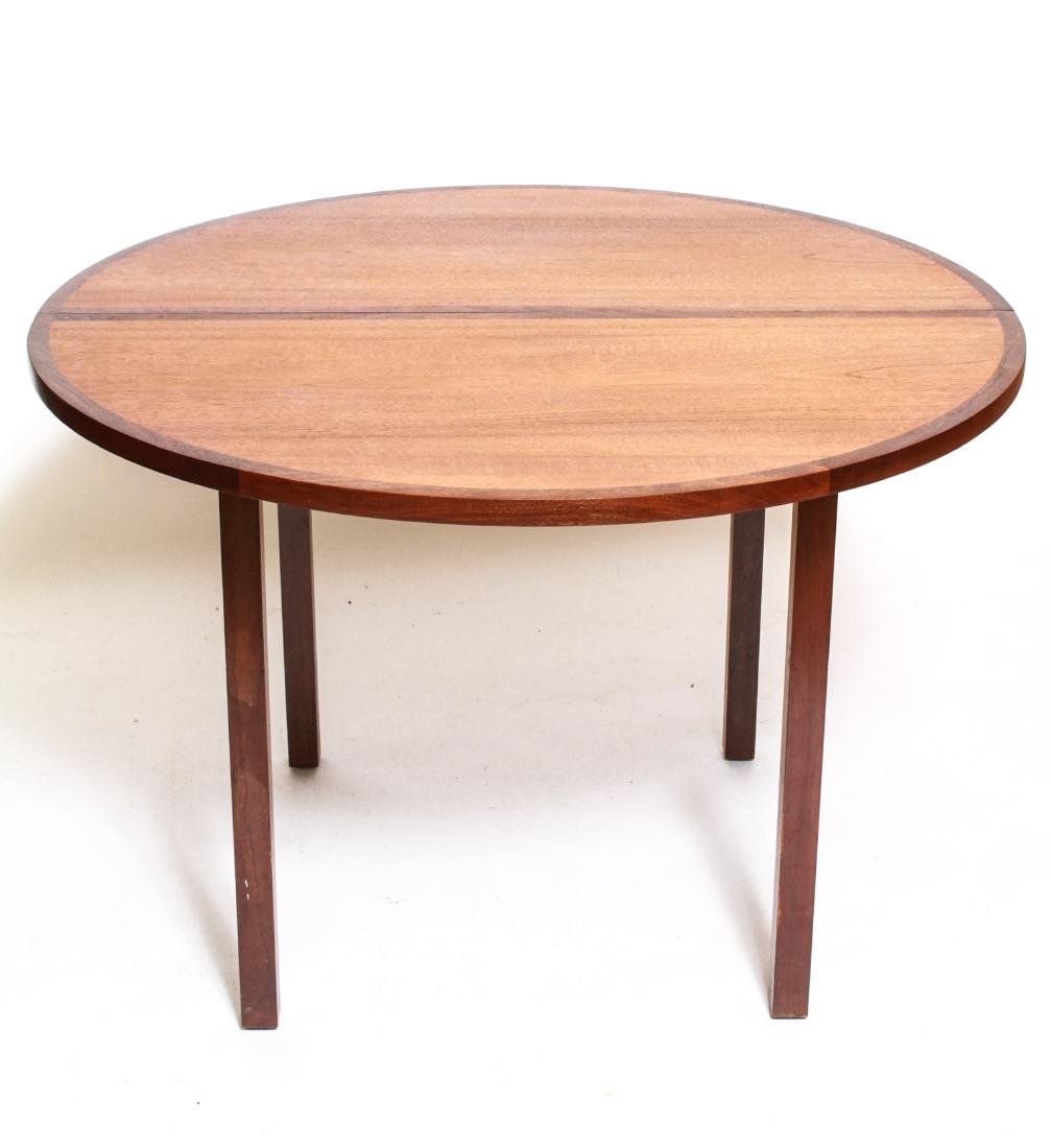 Danish Modern Wood Extending Round Dining Table   Jan 06, 2019 | Auctions  At Showplace In NY